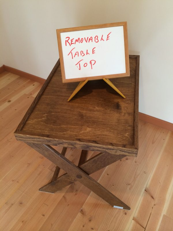 """Stable """"X"""" style folding stand"""